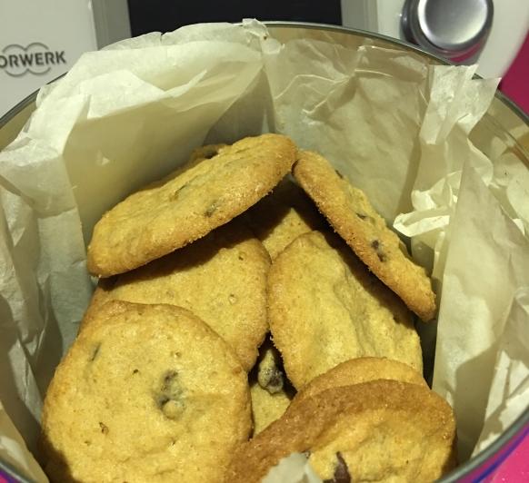 Natillas automaticas y galletas con pepitas de chocolate