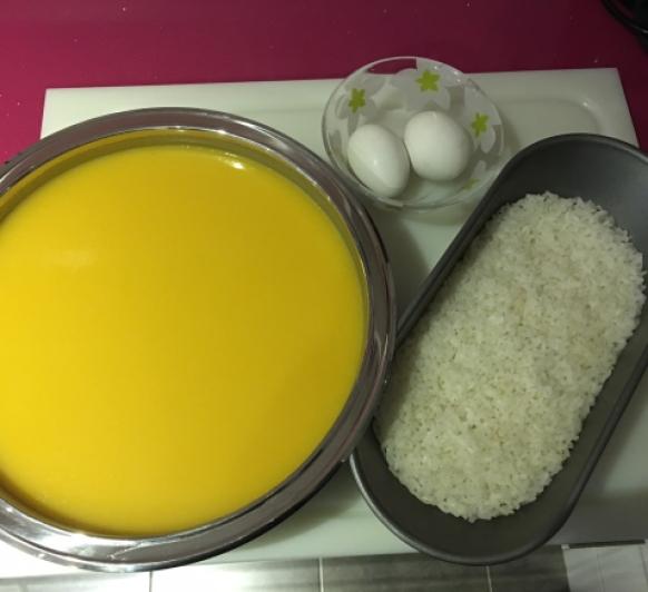 Crema de calabaza, arroz y huevo