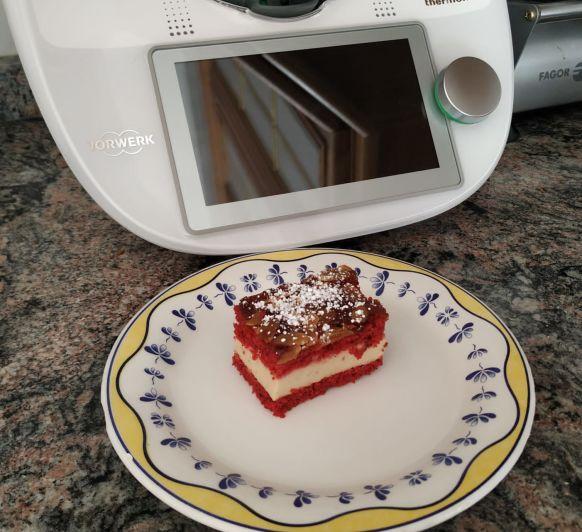 Pastelitos red velvet con crema de turrón